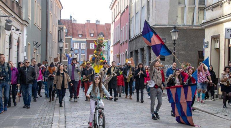 pogrzeb zimy 58 800x445 - Poznań: Pożegnanie zimy i radosne przywitanie wiosny!
