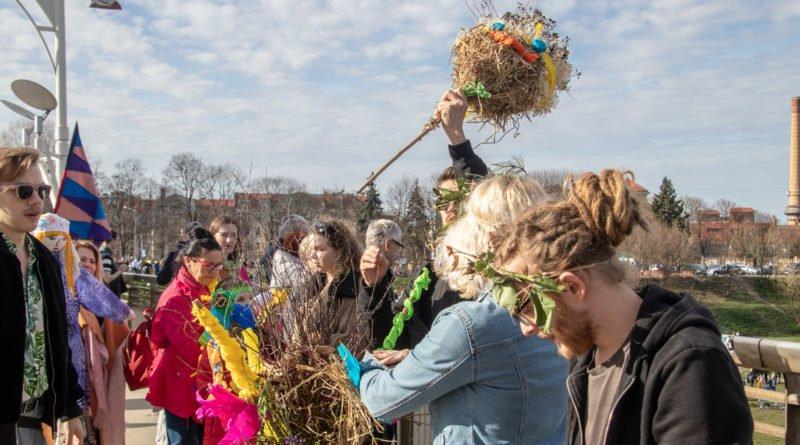 pogrzeb zimy 66 800x445 - Poznań: Pożegnanie zimy i radosne przywitanie wiosny!