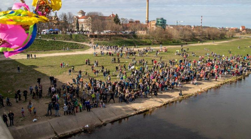 pogrzeb zimy 73 800x445 - Poznań: Pożegnanie zimy i radosne przywitanie wiosny!