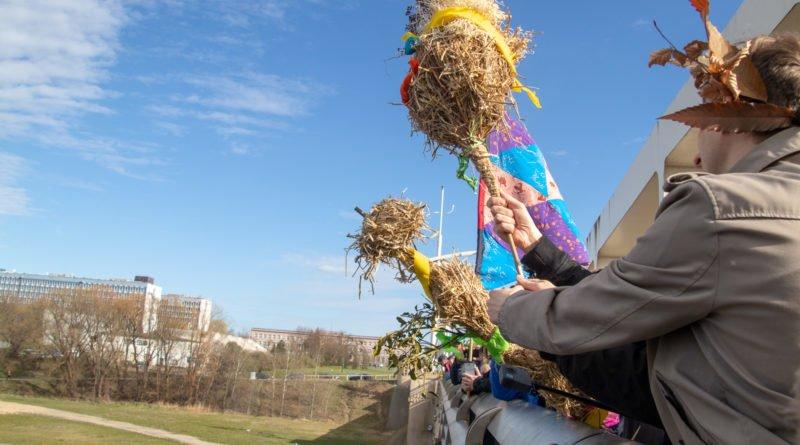 pogrzeb zimy 76 800x445 - Poznań: Pożegnanie zimy i radosne przywitanie wiosny!