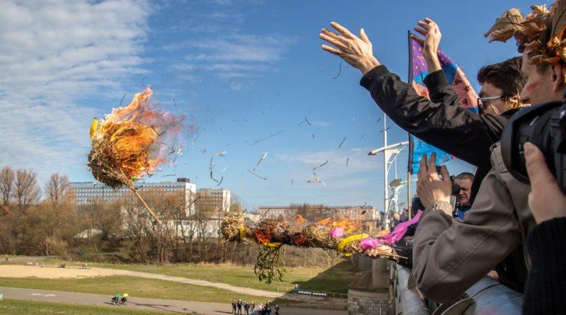 pogrzeb zimy 81 800x445 - Poznań: Pożegnanie zimy i radosne przywitanie wiosny!
