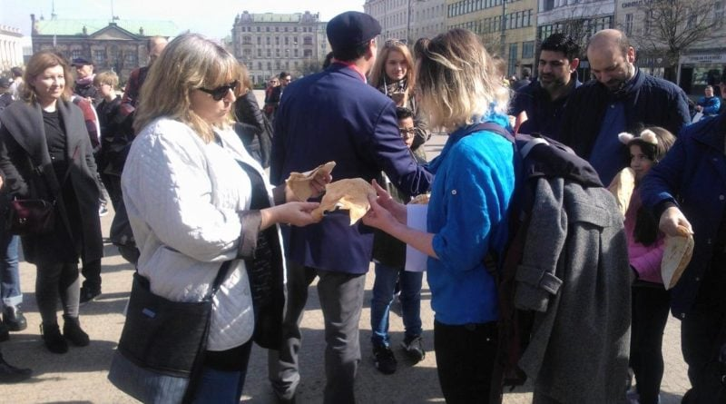 s  a964a 800x445 - Poznań: Hello Brother, Hello Sister. Demonstracja solidarnościowa na placu Wolności