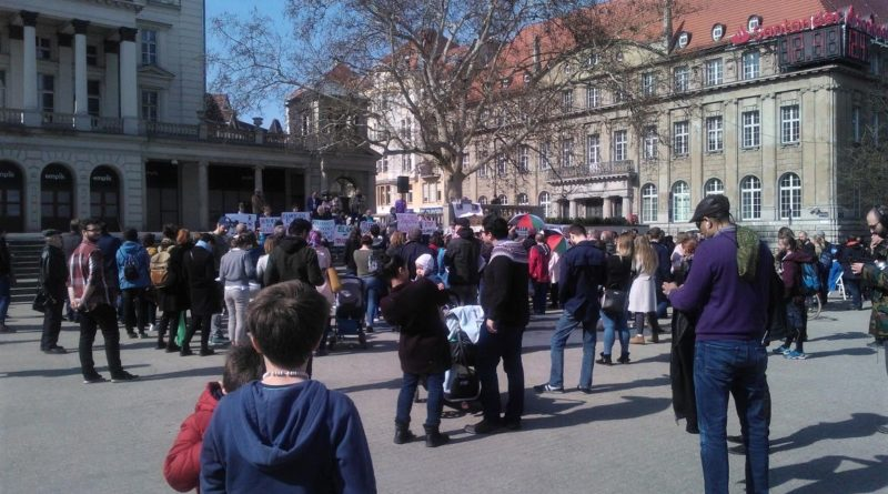 s  c965a 800x445 - Poznań: Hello Brother, Hello Sister. Demonstracja solidarnościowa na placu Wolności