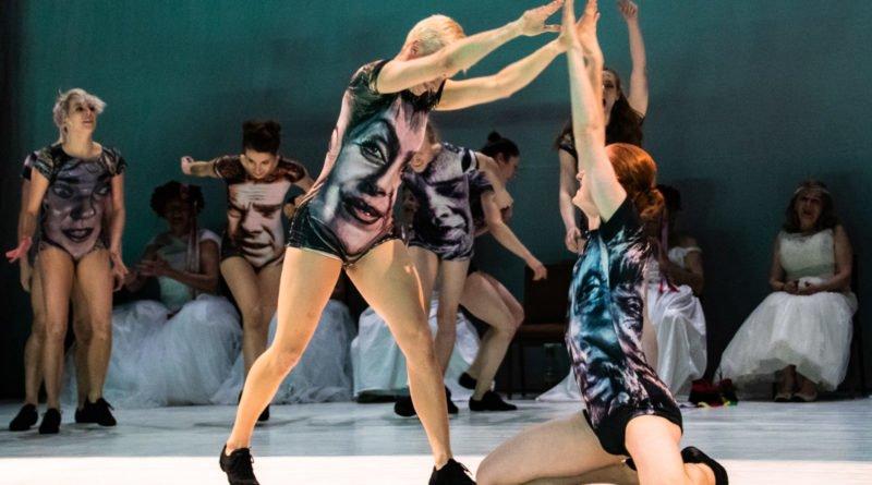 wesele poprawiny polski teatr tanca 109 800x445 - Wesele. Poprawiny reż. Marcin Liber - Polski Teatr Tańca obchodzi 45 lat