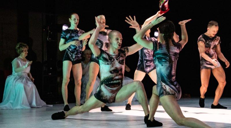 wesele poprawiny polski teatr tanca 110 800x445 - Wesele. Poprawiny reż. Marcin Liber - Polski Teatr Tańca obchodzi 45 lat