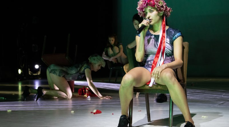 wesele poprawiny polski teatr tanca 147 800x445 - Wesele. Poprawiny reż. Marcin Liber - Polski Teatr Tańca obchodzi 45 lat