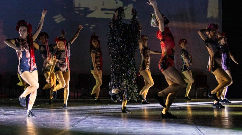 wesele poprawiny polski teatr tanca 18 800x445 - Wesele. Poprawiny reż. Marcin Liber - Polski Teatr Tańca obchodzi 45 lat