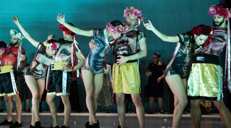 wesele poprawiny polski teatr tanca 55 800x445 - Wesele. Poprawiny reż. Marcin Liber - Polski Teatr Tańca obchodzi 45 lat