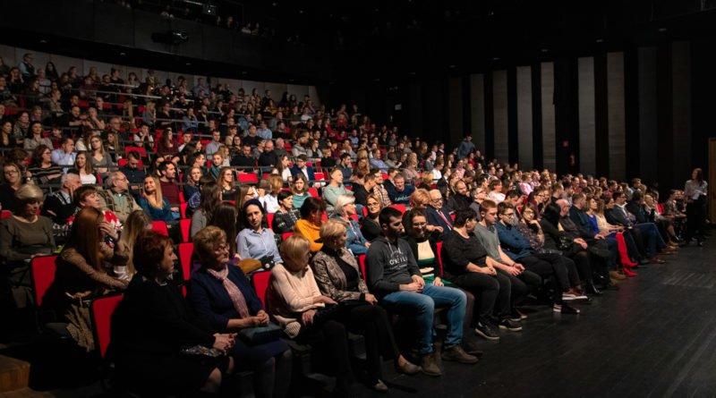 wesele poprawiny polski teatr tanca 6 800x445 - Wesele. Poprawiny reż. Marcin Liber - Polski Teatr Tańca obchodzi 45 lat