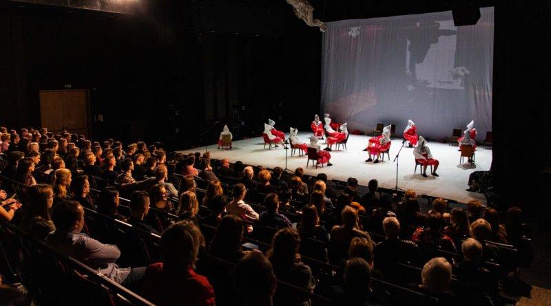 wesele poprawiny polski teatr tanca 7 800x445 - Wesele. Poprawiny reż. Marcin Liber - Polski Teatr Tańca obchodzi 45 lat
