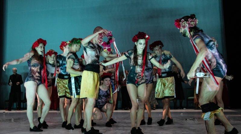 wesele poprawiny polski teatr tanca 77 800x445 - Wesele. Poprawiny reż. Marcin Liber - Polski Teatr Tańca obchodzi 45 lat