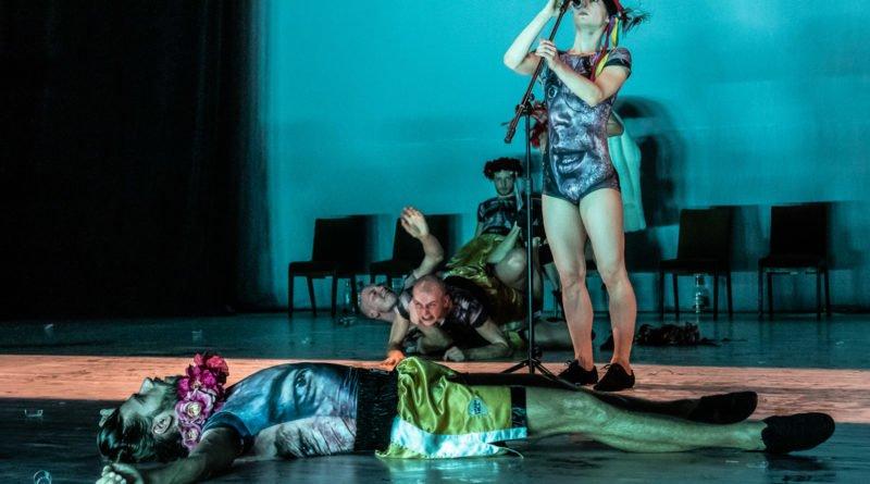 wesele poprawiny polski teatr tanca 88 800x445 - Wesele. Poprawiny reż. Marcin Liber - Polski Teatr Tańca obchodzi 45 lat