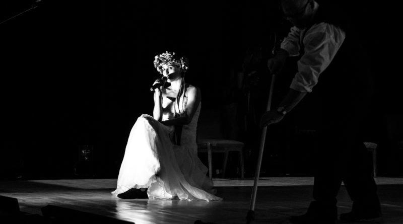 wesele poprawiny polski teatr tanca 93 800x445 - Wesele. Poprawiny reż. Marcin Liber - Polski Teatr Tańca obchodzi 45 lat