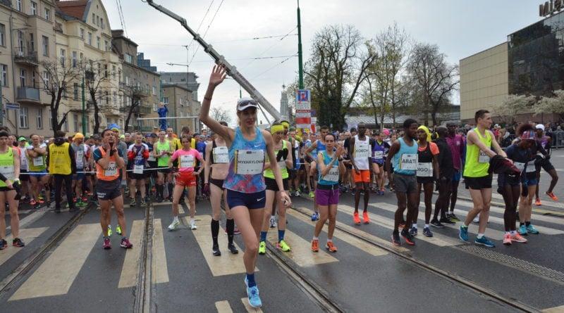 12. pko poznan polmaraton fot. karolina adamska 10 800x445 - 12. PKO Poznań Półmaraton: Etiopczyk wygrywa bieg (zdjęcia)