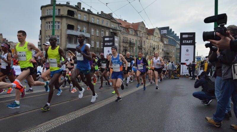 12. pko poznan polmaraton fot. karolina adamska 12 800x445 - 12. PKO Poznań Półmaraton: Etiopczyk wygrywa bieg (zdjęcia)