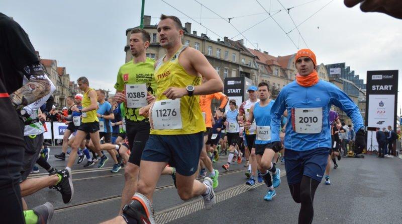 12. pko poznan polmaraton fot. karolina adamska 13 800x445 - 12. PKO Poznań Półmaraton: Etiopczyk wygrywa bieg (zdjęcia)
