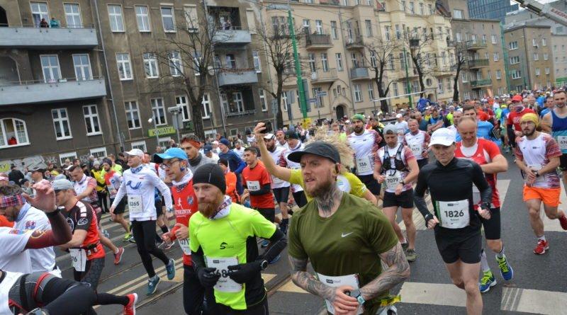 12. pko poznan polmaraton fot. karolina adamska 14 800x445 - 12. PKO Poznań Półmaraton: Etiopczyk wygrywa bieg (zdjęcia)