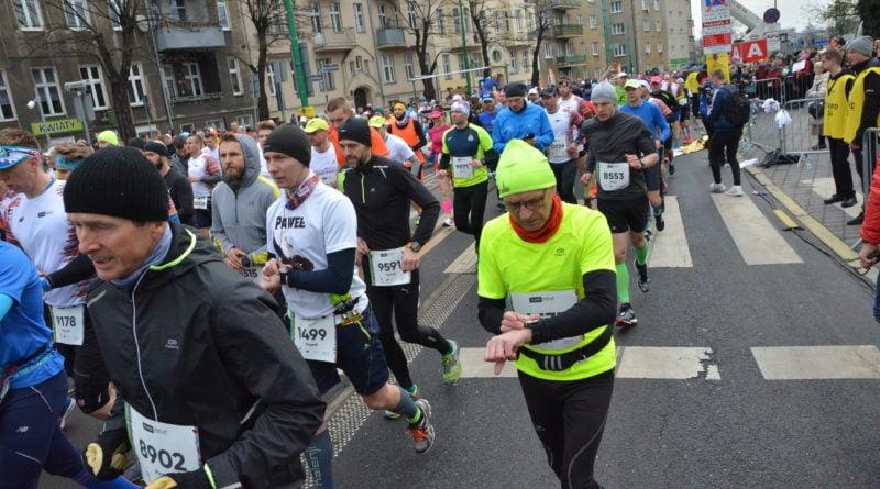 12. pko poznan polmaraton fot. karolina adamska 16 800x445 - 12. PKO Poznań Półmaraton: Etiopczyk wygrywa bieg (zdjęcia)