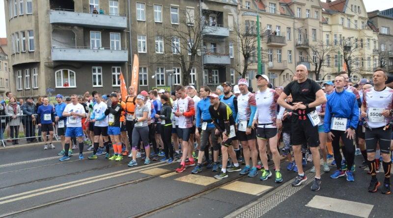 12. pko poznan polmaraton fot. karolina adamska 19 800x445 - 12. PKO Poznań Półmaraton: Etiopczyk wygrywa bieg (zdjęcia)