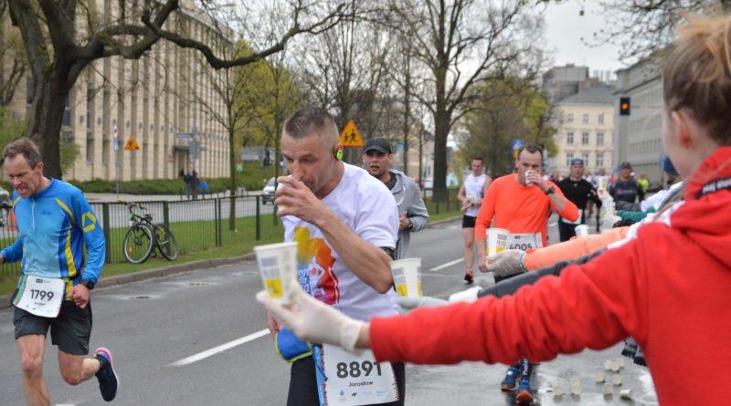 12. pko poznan polmaraton fot. karolina adamska 8 800x445 - 12. PKO Poznań Półmaraton: Etiopczyk wygrywa bieg (zdjęcia)