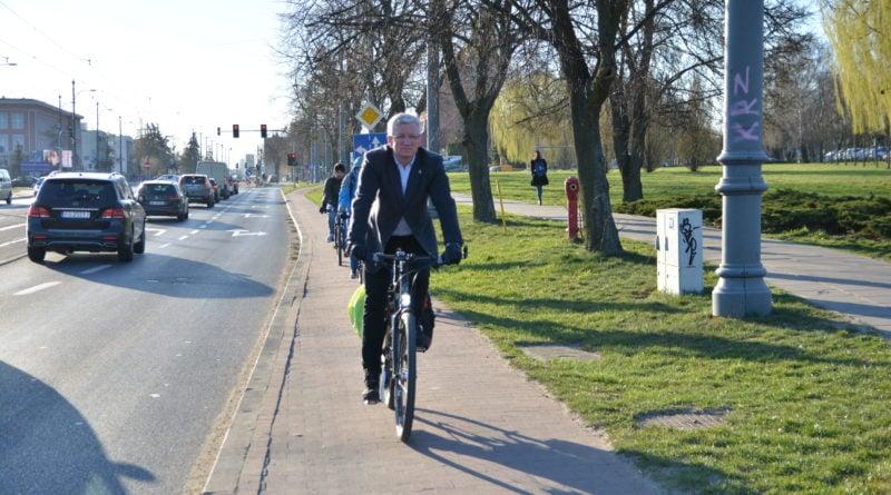 jacek jaskowiak fot. karolina adamska 2 800x445 - Poznań: Miasto przesiadło się na rower?
