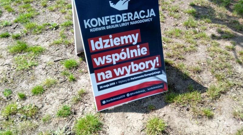 konfederacja 3 800x445 - Poznań: Pod Urzędem Skarbowym palono PITy!