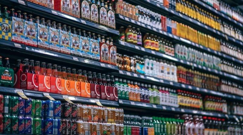 market 800x445 - Poznań: Klient bezobsługowego sklepu uwięziony w placówce