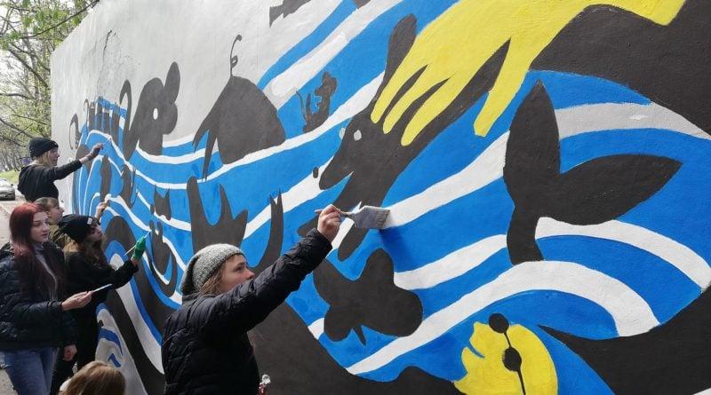 """mural 2 800x445 - Poznań: Nowy mural w mieście """"zamalował wulgarne napisy"""""""
