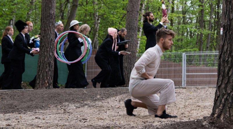 otwarcie lwiarni w nowym zoo 27.04 slawek wachala 45 800x445 - Performans - Polski Teatr Tańca w Nowym Zoo
