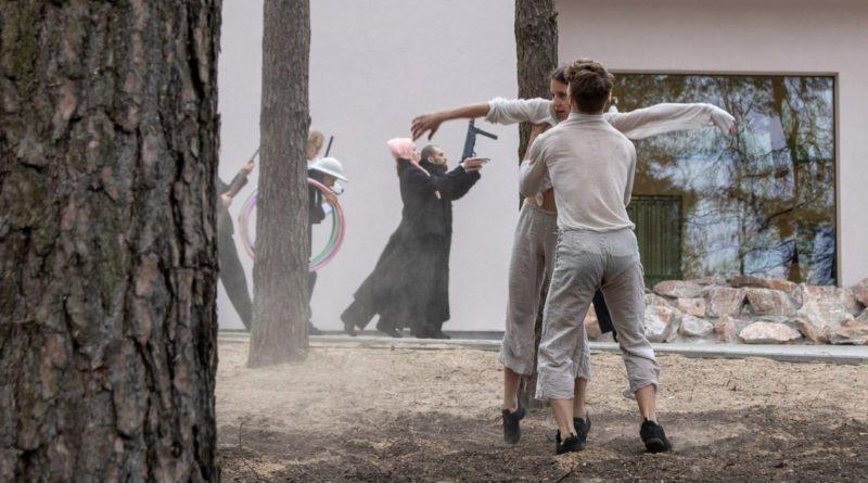 otwarcie lwiarni w nowym zoo 27.04 slawek wachala 53 800x445 - Performans - Polski Teatr Tańca w Nowym Zoo