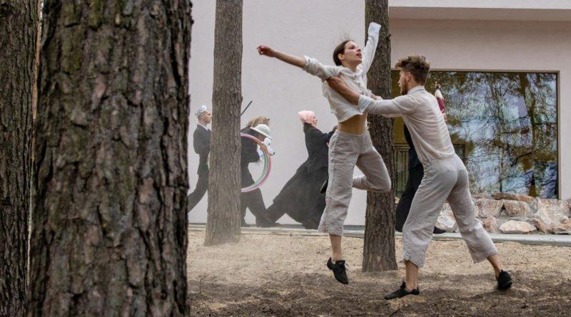 otwarcie lwiarni w nowym zoo 27.04 slawek wachala 54 800x445 - Performans - Polski Teatr Tańca w Nowym Zoo