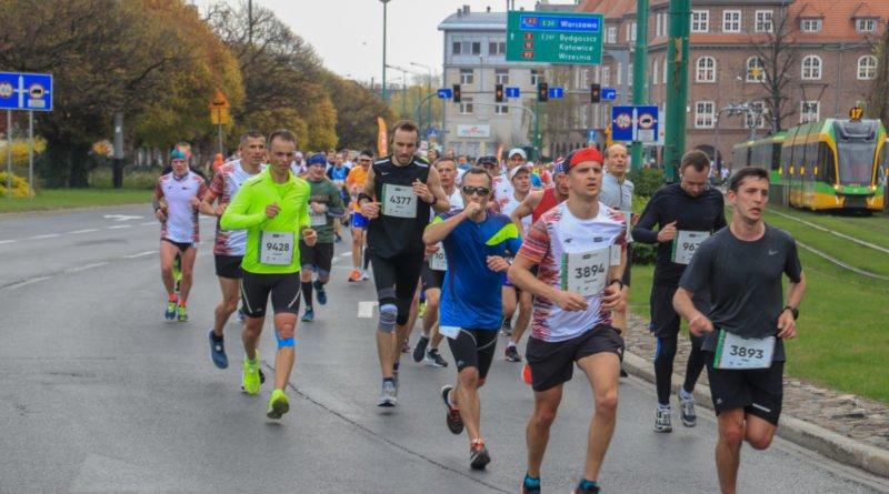 polmaraton 2019 kwiecien 14 800x445 - 12. PKO Poznań Półmaraton: zdjęcia z biegu