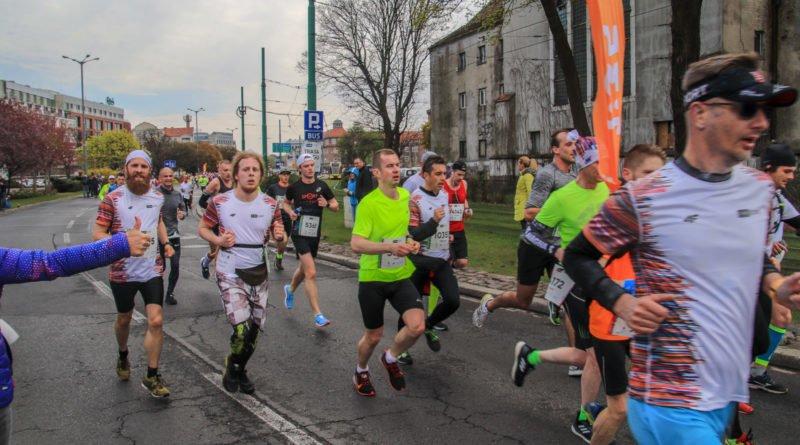 polmaraton 2019 kwiecien 15 800x445 - 12. PKO Poznań Półmaraton: zdjęcia z biegu