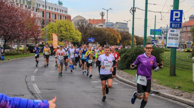 polmaraton 2019 kwiecien 16 800x445 - 12. PKO Poznań Półmaraton: zdjęcia z biegu