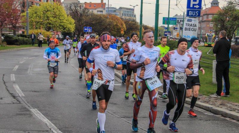 polmaraton 2019 kwiecien 18 800x445 - 12. PKO Poznań Półmaraton: zdjęcia z biegu