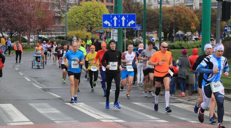 polmaraton 2019 kwiecien 19 800x445 - 12. PKO Poznań Półmaraton: zdjęcia z biegu