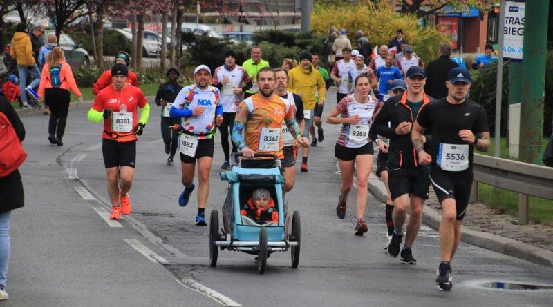 polmaraton 2019 kwiecien 20 800x445 - 12. PKO Poznań Półmaraton: zdjęcia z biegu
