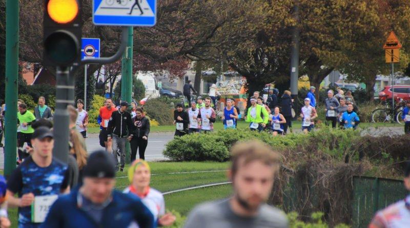 polmaraton 2019 kwiecien 26 800x445 - 12. PKO Poznań Półmaraton: zdjęcia z biegu