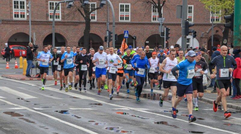 polmaraton 2019 kwiecien 7 800x445 - 12. PKO Poznań Półmaraton: zdjęcia z biegu