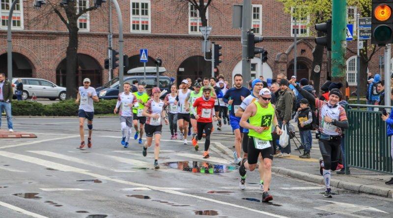 polmaraton 2019 kwiecien 8 800x445 - 12. PKO Poznań Półmaraton: zdjęcia z biegu