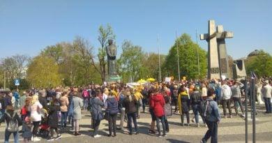 protest nauczycieli fot. karolina adamska 390x205 - Poznań: 10 dodatkowych milionów dla szkół