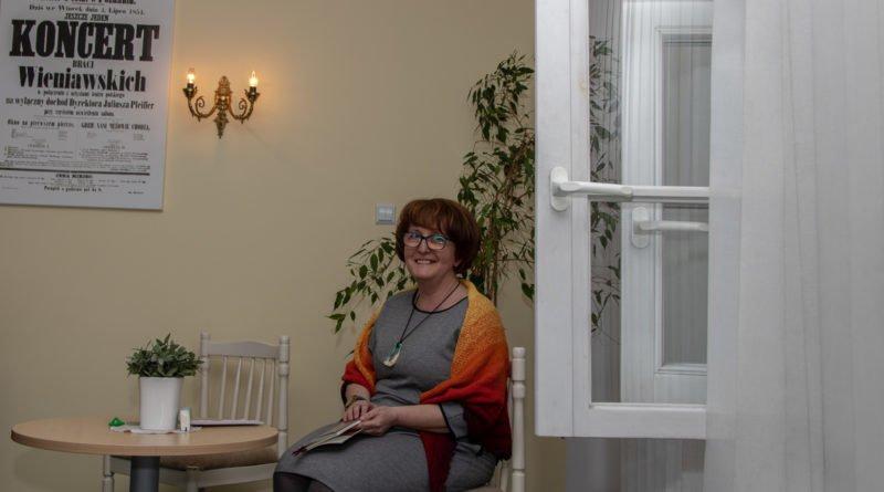 towarzystwo wieniawskiego wieczor autorski katarzyny ... 11 800x445 - Katarzyna Mrozik-Stefańska: poetka z poczuciem humoru
