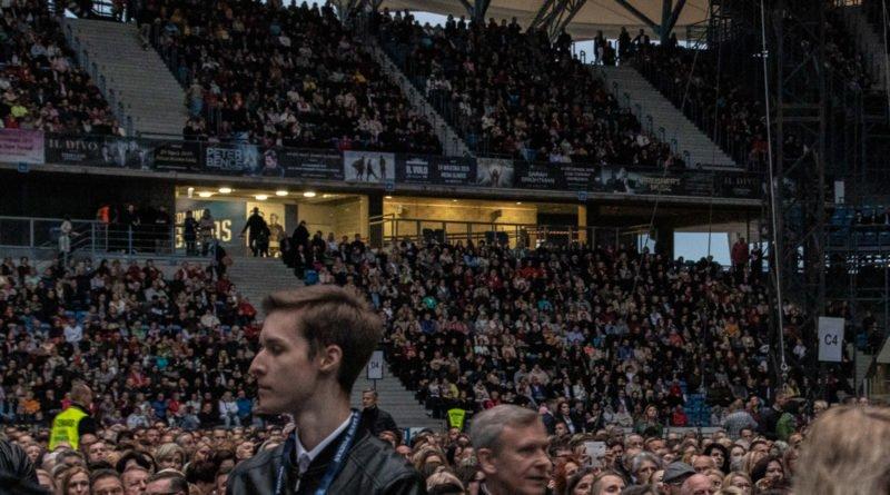 """andrea bocelli slawek wachala 16 800x445 - Andrea Bocelli wystąpił na stadionie. """"Myślę, że Poznań na długo zapamięta ten koncert"""""""