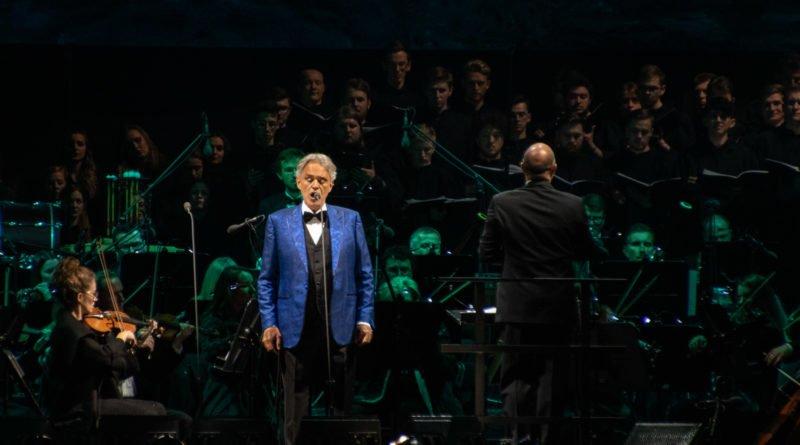 """andrea bocelli slawek wachala 31 800x445 - Andrea Bocelli wystąpił na stadionie. """"Myślę, że Poznań na długo zapamięta ten koncert"""""""