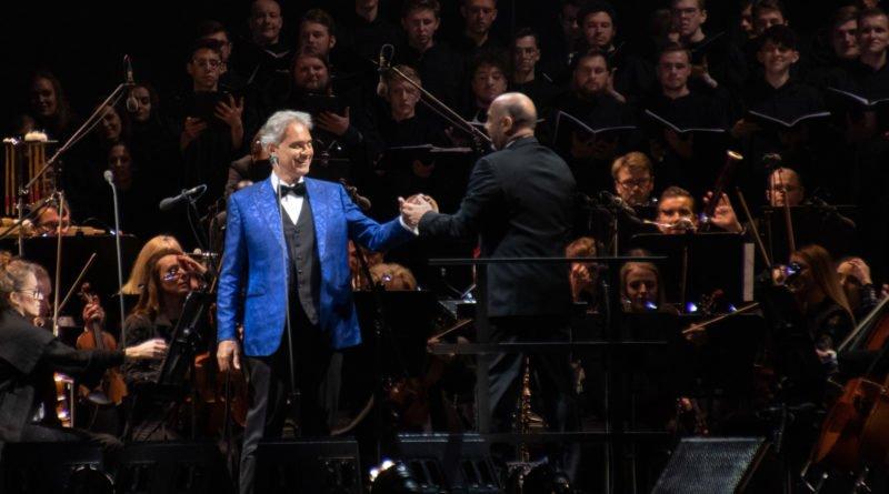 """andrea bocelli slawek wachala 36 800x445 - Andrea Bocelli wystąpił na stadionie. """"Myślę, że Poznań na długo zapamięta ten koncert"""""""