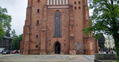 katedra ostrow tumski 2 390x205 - Poznań: Nie będzie przeszukania kurii. Tak zadecydowała Prokuratura Generalna RP