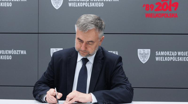 marek wozniak 2 fot. um 800x445 - Poznań: Marszałek Marek Woźniak oferuje 25 mln na walkę z koronawirusem