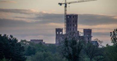 stobnica slawek wachala 15 390x205 - Oborniki: Zatrzymano siedem osób w sprawie budowy zamku w Stobnicy