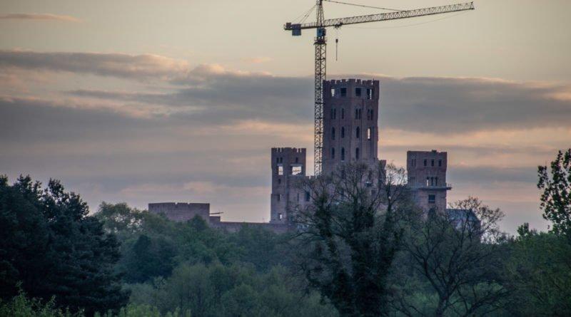 stobnica slawek wachala 15 800x445 - Stobnica: Sprawa zamku nadal w zawieszeniu
