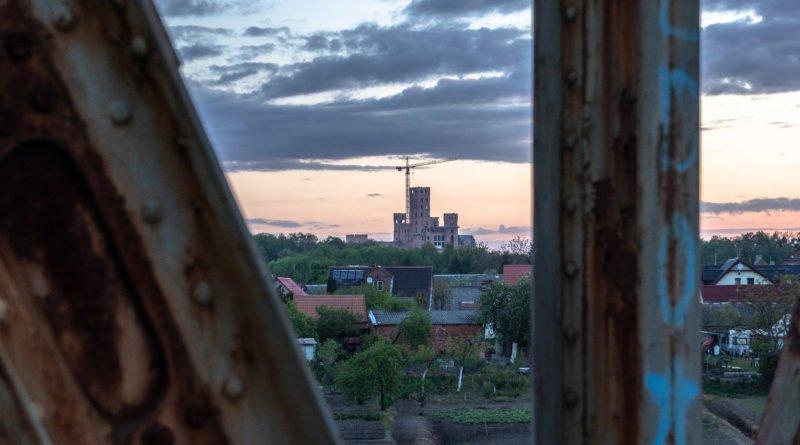 stobnica slawek wachala 2 800x445 - Stobnica: Prokuratura odwołała się od decyzji wojewody dotyczącej budowy słynnego zamku